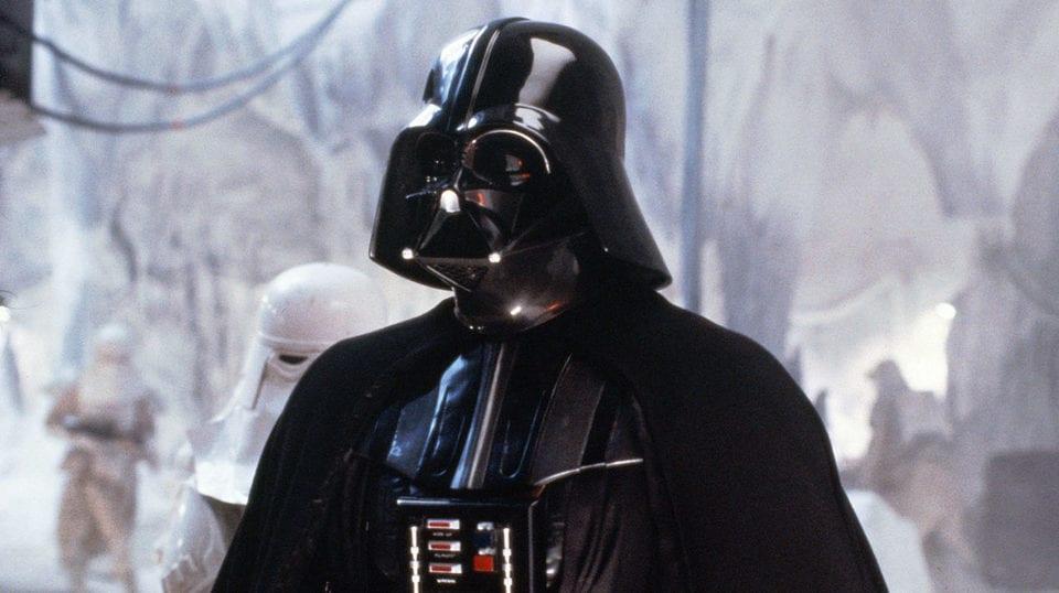 Resultado de imagen para subastará el casco de Darth Vader